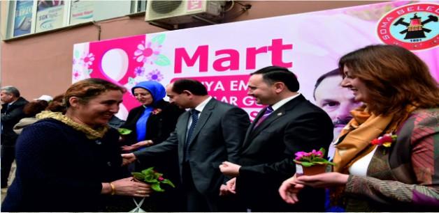 Soma Belediyesi 5 Bin Çiçek Dağıttı