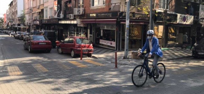 Kaymakam Fatih Akkaya Makamına Bisikletiyle Gitti