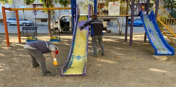 Parklarda Bakım-Onarım Çalışmaları Devam Ediyor