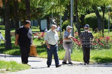 SOMA'DA 65 YAŞ ÜSTÜNE  SOKAĞA ÇIKMA KISITLAMASI