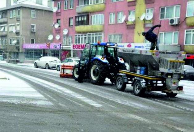 EKİPLER 24 SAAT  SOMA'YA HİZMET VERDİ