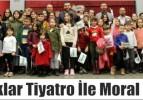 Çocuklar Tiyatro İle Moral Buldu