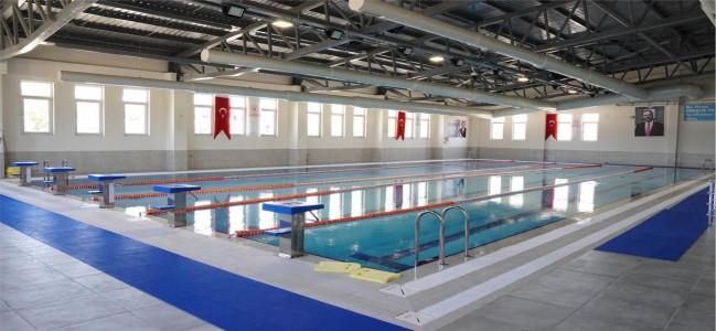 Soma'ya yarı olimpik yüzme havuzu müjdesi!