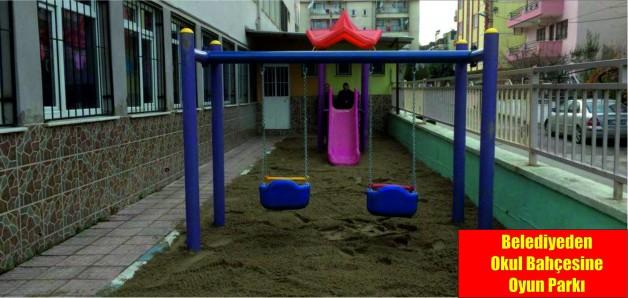 Belediyeden Okul Bahçesine Oyun Parkı
