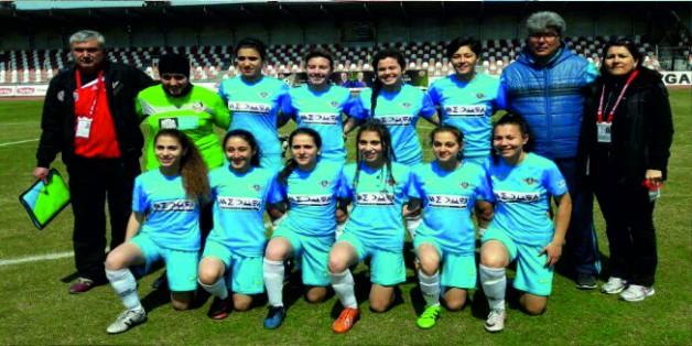 Zaferspor'un Kızları Rakibini 11-0 Mağlup Etti